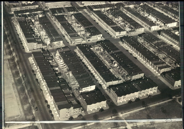 Hundreds of rowhomes are seen in an aerial view of East Baltimore in 1940. (Baltimore Sun File Photo)