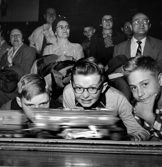 A speedster flashes by. The event was open to all schoolboys of 16 or under, 1955. (Hans Marx/Baltimore Sun)