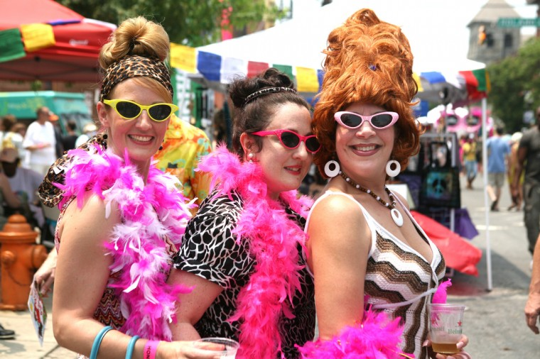 Margaret Swetz, Karen Condor, and Kim Tatum at Honfest 2011. (Joe Soriero/Baltimore Sun)