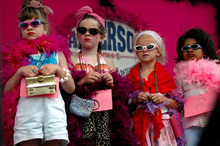 The girls wait for the judges to decide who won the crown in Best 'Lil Hon Contest. (Chiaki Kawajiri/Baltimore Sun)
