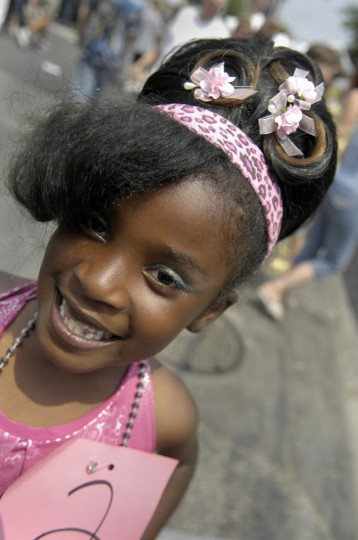 HarlieQuinn Coggins, 6, Northwest Baltimore, won second place in the Little Miss Hon Contest at Honfest '08. (Kim Hairston/Baltimore Sun)
