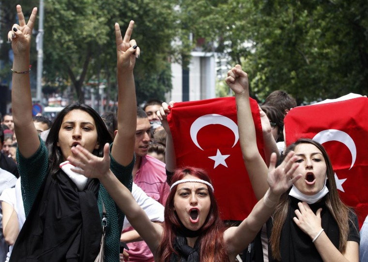 Protesters shout anti-government slogans during a demonstration in Ankara June 3, 2013. (Umit Bektas/Reuters)