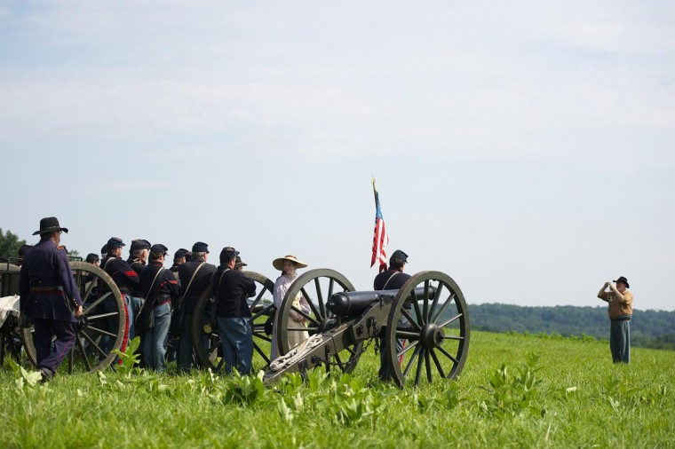 Actors playing members of the 5th Massachusetts Battery and the L and M Battery of the 3rd U.S. Artillery pose for a group photo on the final day of the Blue Gray Alliance during events marking the 150th anniversary of the Battle of Gettysburg, in Gettysburg, Pennsylvania June 30, 2013. (Mark Makela/Reuters)