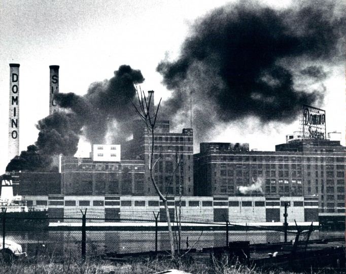 The Domino refinery in 1975. (Lloyd Pearson/Baltimore Sun File Photo)