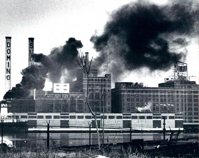 The Domino refinery in 1975. (Lloyd Pearson/Baltimore Sun File Photo)