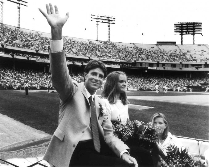 Jim Palmer and his daughters are driven around the warning track at Memorial Stadium to the standing ovation of the crowd, during Jim Palmer Day in 1985. (Gene Sweeney Jr./Baltimore Sun)