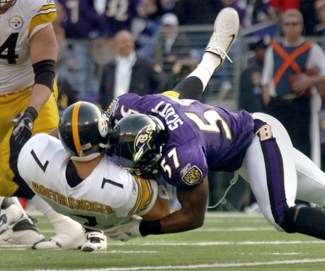 Ravens linebacker Bart Scott levels Steelers quarterback Ben Roethlisberger, for one of the nine sacks on Roethlisberger in a November 2006 game. Roethlisberger lost eight yards on this second-quarter play and was knocked out of the game for a series of plays. (Gene Sweeney Jr./Baltimore Sun)