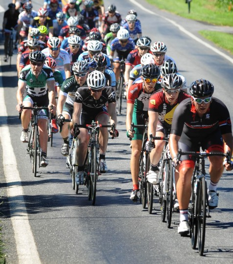 Riders stay grouped in a peloton, drafting for aerodynamic efficiency during the Road Warrior 50 road race. (Jerry Jackson/Baltimore Sun)