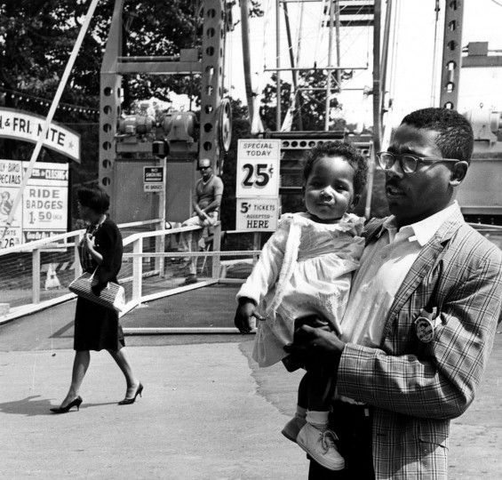 August 28, 1963: Charles C. Langley, Jr. and his wife Marian take their daughter Sharon to visit the newly desegregated Gwynn Oak Park. (William L. La Force, Jr./Baltimore Sun)