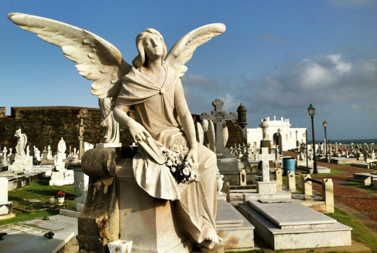 The famous Santa MarI'a Magdalena de Pazzis Cemetery is located on the Atlantic coast east of El Morro. The colonial-era cemetery is where many of Puerto Rico's most prominent residents are buried. (Robert K. Hamilton/Baltimore Sun)