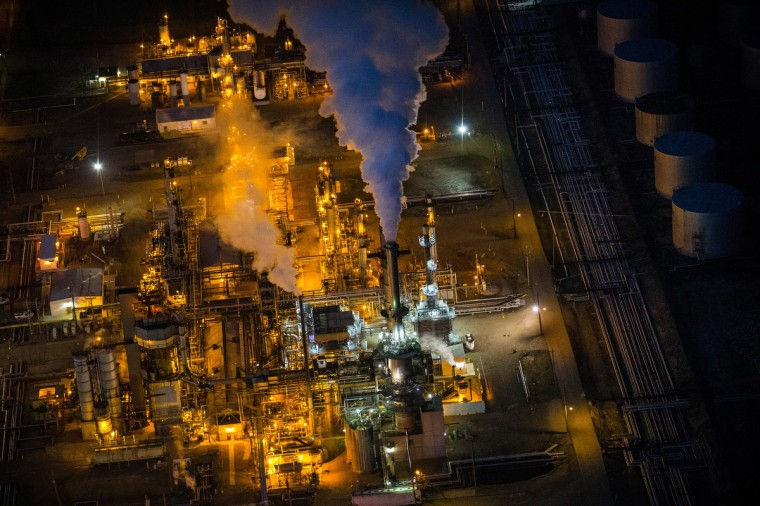 A gas and oil refinery is seen in an aerial view in the early morning hours of July 30, 2013 in Bismarck, North Dakota. (Andrew Burton/Getty Images)