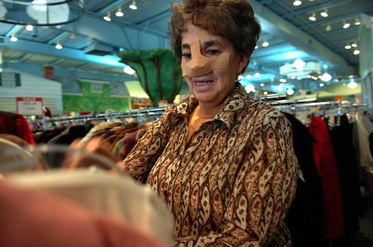 Linda Hershey shops at an outlet in Lancaster, Pa., not too far from her home in Denver, Pa. (Algerina Perna/Baltimore Sun/Nov. 1, 2008)