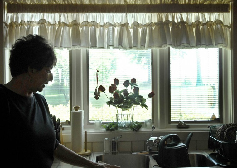 Linda Hershey, 63, is pictured at her home in Denver, Pa. (Algerina Perna/Baltimore Sun/June 9, 2008)