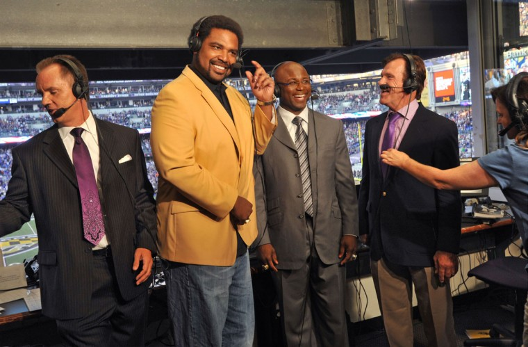 From left, Gerry Sandusky, Jonathan Ogden, Qadry Ismail and Stan White joke around as stage manager Karen LaGrasta makes a last-minute adjustment to White's equipment. (Amy Davis/Baltimore Sun Photo)