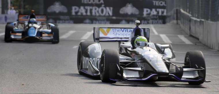 Indycar driver Tony Kanaan drives a practice session during the Grand Prix of Baltimore. (Kenneth K. Lam/Baltimore Sun)