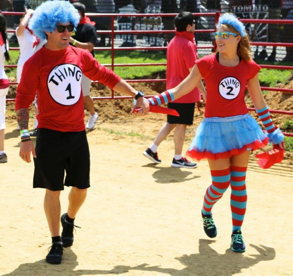 A couple dresses as Dr. Seuss' Thing '1' and Thing '2' for the Great Bull Run on August 24, 2013. (Credit: Kaitlin Newman)