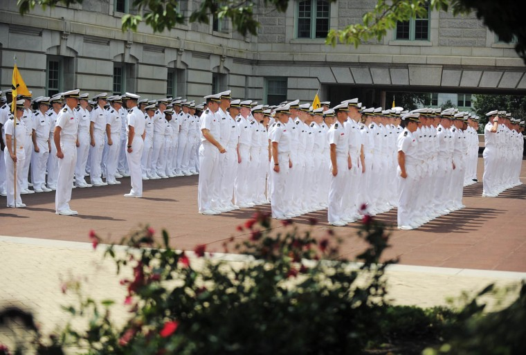 Plebes lines up for noon formation before being released. (Erin Kirkland/Baltimore Sun)
