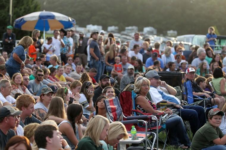Crowds watch the Bull Blast. (Jen Rynda/BSMG)