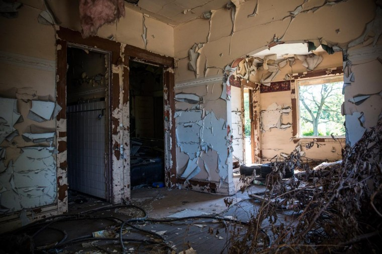 The interior of an abandoned home is seen on September 5, 2013 in Detroit, Michigan. (Andrew Burton/Getty Images)