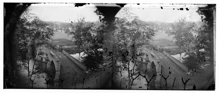 "A 3-D photo taken by Alexander Gardner that he labeled ""Antietam Bridge (Burnside Bridge)"". (Alexander Gardner/Courtesy Library of Congress)"