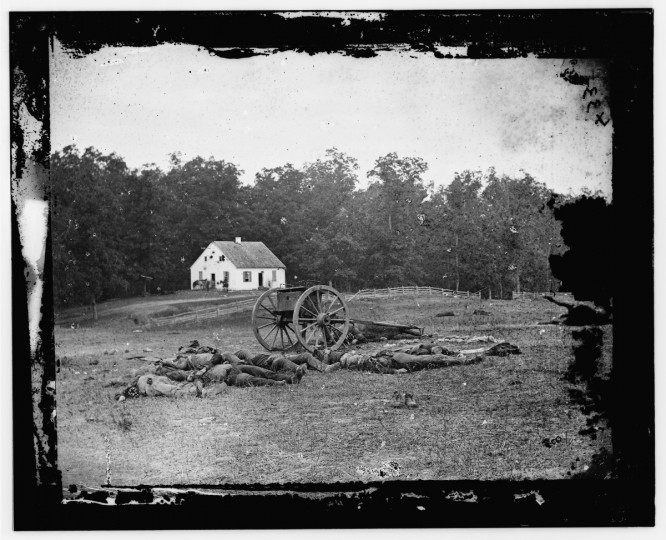 The right side portion of a 3-D photo taken by Alexander Gardner following the battle of Antietam. Photos were captured in stereo (or, 3-D) images. (Alexander Gardner/Courtesy Library of Congress)