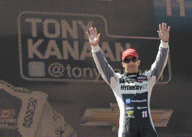 Tony Kanaan is introduced at the Grand Prix of Baltimore on Sept. 1, 2013. (Lloyd Fox/Baltimore Sun)