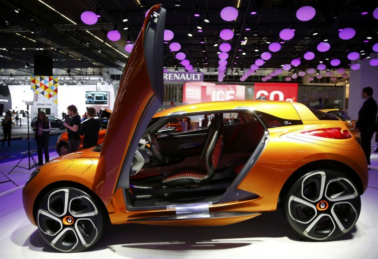 A Renault Captur concept car is displayed during a media preview day at the Frankfurt Motor Show (IAA) September 10, 2013. The world's biggest auto show is open to the public September 14 -22. (Kai Pfaffenbach/Reuters photo)