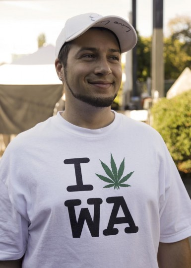 An attendee, who wished to remain anonymous, wears a pro-marijuana shirt at the High Times U.S. Cannabis Cup in Seattle, Washington September 8, 2013. (Jason Redmond/Reuters)