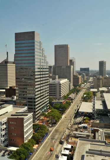 Bird's eye view of Pratt Street during the Grand Prix Firestone Indy Lights Race from the Hilton Convention Center hotel. (Amy Davis /Baltimore Sun)