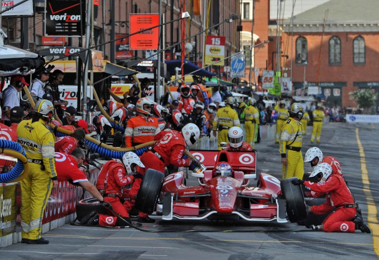 Grand Prix of Baltimore: #9 Scott Dixon, riding for Target Chip Ganassi Racing makes a pit stop at 3:30 p.m. (Amy Davis /Baltimore Sun)
