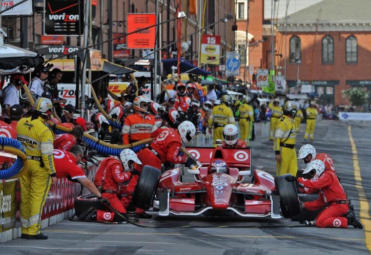 Grand Prix of Baltimore: #9 Scott Dixon, riding for Target Chip Ganassi Racing makes a pit stop at 3:30 p.m. (Amy Davis /Baltimore Sun)