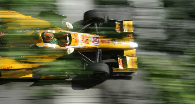Ryan Hunter-Reay heads down Conway out of turn 4 during the Grand Prix of Baltimore. (Jerry Jackson/Baltimore Sun)