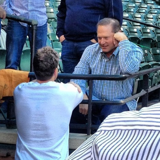 Chris Davis talks to his agent, Scott Boras, on Sept. 24, 2013.