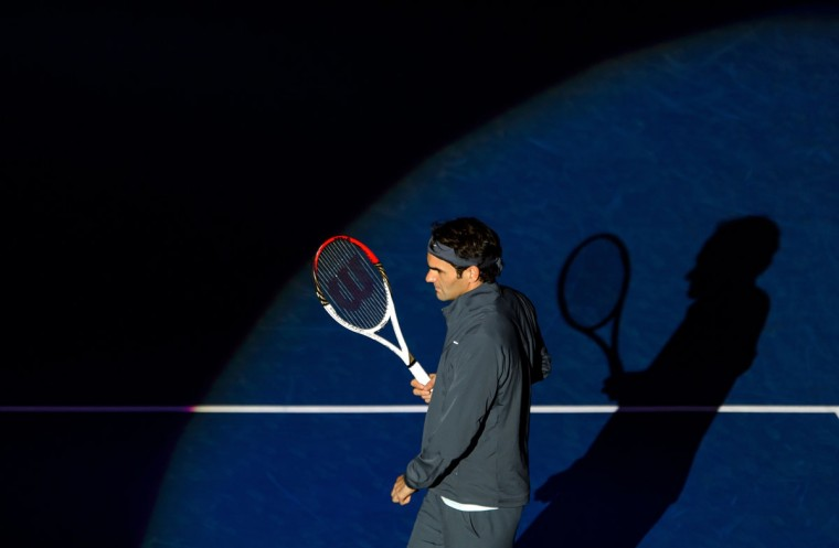 Roger Federer arrives for his match against Adrian Mannarino at the Swiss Indoors ATP tennis tournament in Basel. (FABRICE COFFRINI / AFP/Getty Images)