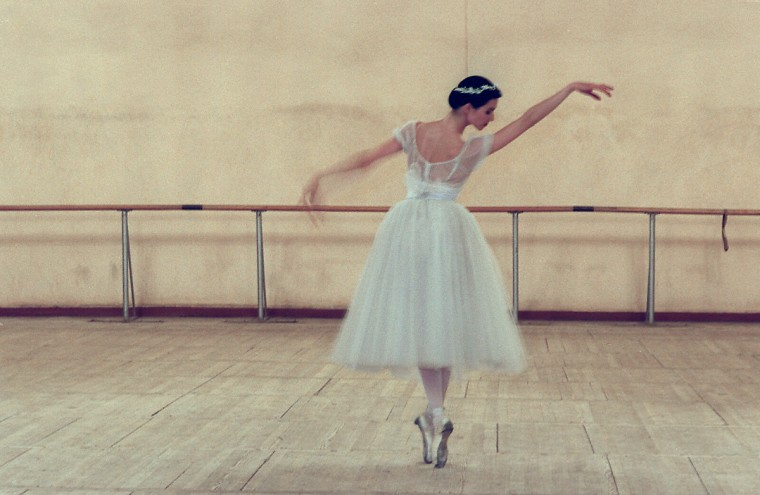 Bolshoi Ballerina Irina Zebrova practices the Giselle in one of the Bolshoi practice rooms in Moscow, Russia, in August 1996. (Barbara Haddock Taylor/Baltimore Sun)