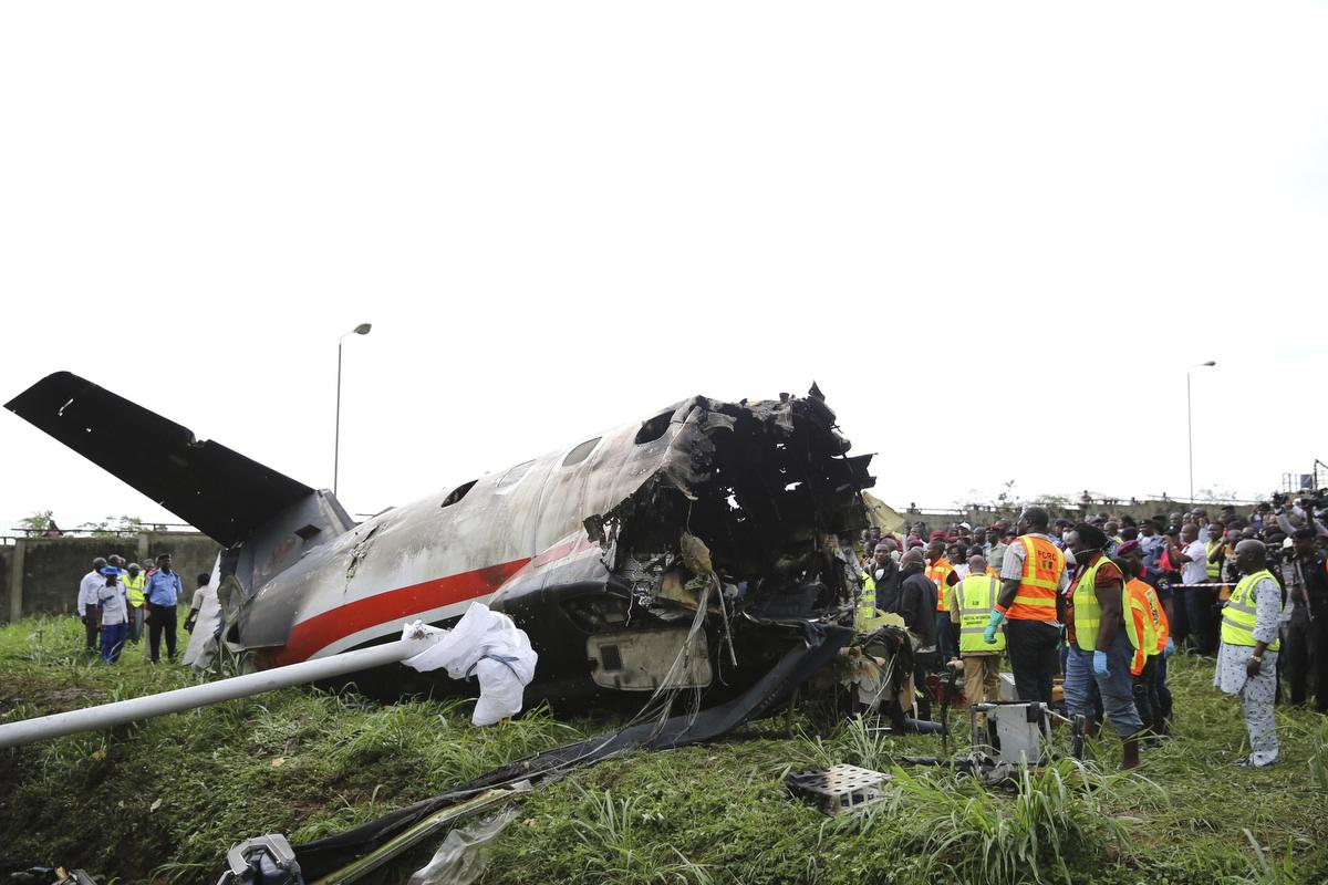 Deadly military plane crash on Savannah, Georgia, road