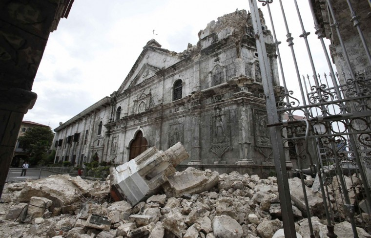 A view of the damaged Basilica Minore of Sto Nino de Cebu church after an earthquake struck Cebu city, in central Philippines. (Erik De Castro / Reuters)
