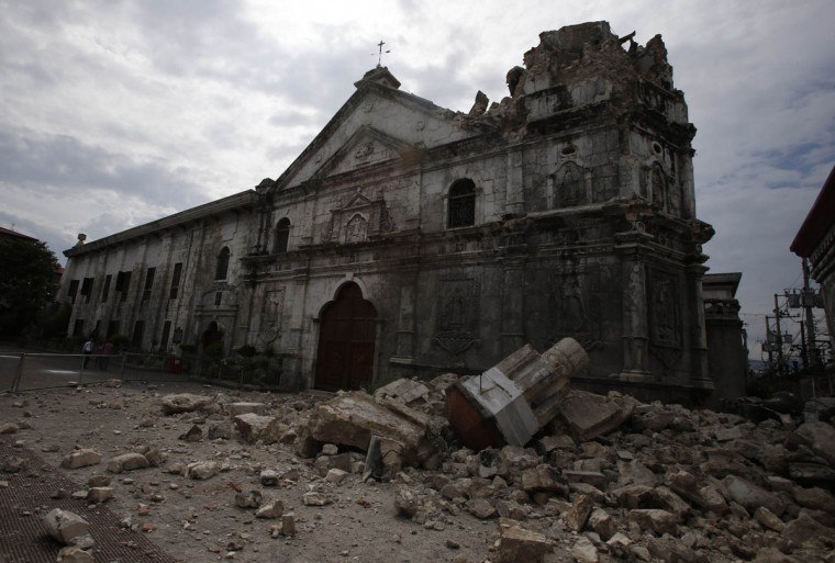 A view of the damaged Basilica Minore of Sto Nino de Cebu church after an earthquake struck Cebu city, is seen in central Philippines. (Erik De Castro / Reuters photo)