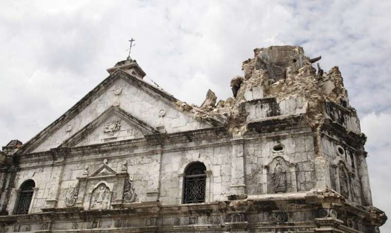 A general view of the damage on Historic Basilica Minor of Sto Nino de Cebu after an earthquake hit the church in Cebu city, central Philippines. (Reuters photo)