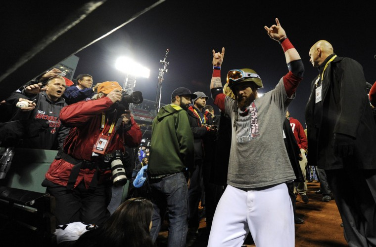 Boston Red Sox left fielder Jonny Gomes heads to the clubhouse after Game 6 of the World Series against the St. Louis Cardinals at Fenway Park. (Robert Deutsch/USA TODAY Sports)