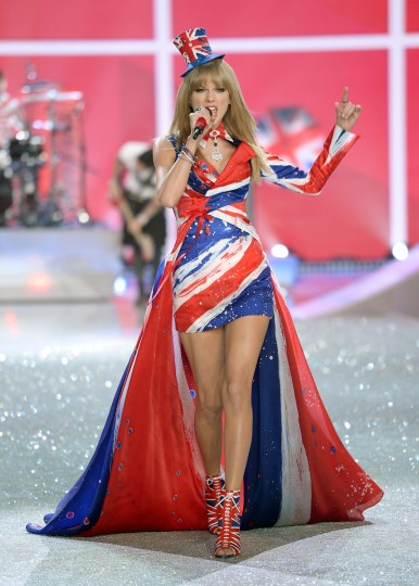 Singer Taylor Swift performs at the 2013 Victoria's Secret Fashion Show at Lexington Avenue Armory on November 13, 2013 in New York City. ((Dimitrios Kambouris/Getty Images)