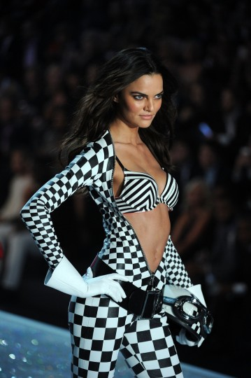 Model Barbara Fialho walks the runway at the 2013 Victoria's Secret Fashion Show at Lexington Avenue Armory on November 13, 2013 in New York City. (Bryan Bedder/Getty Images for Swarovski)
