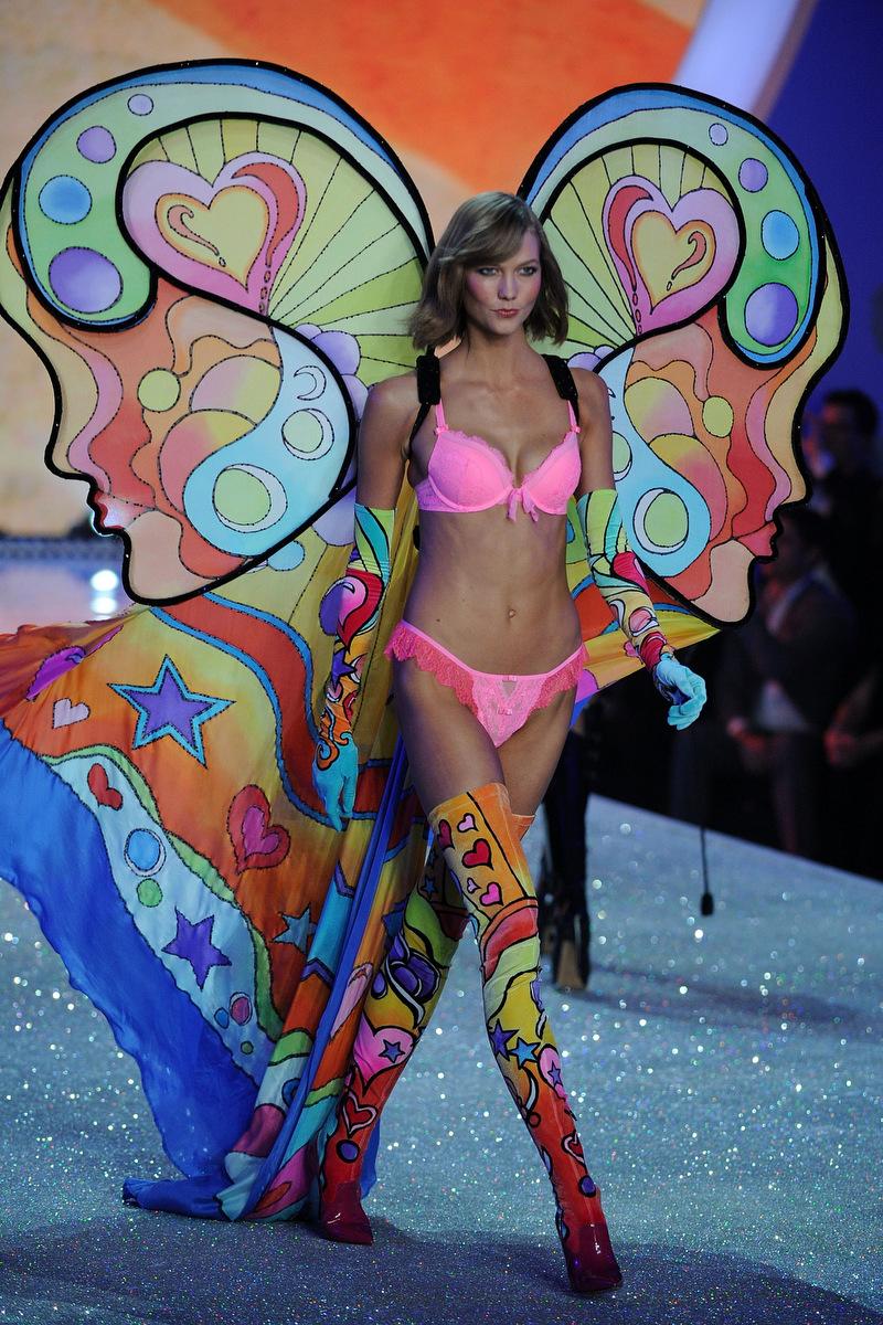 Out Boy and Neon Jungle rock the 2013 Victoria   s Secret Fashion ShowKarlie Kloss Vs Fashion Show 2013