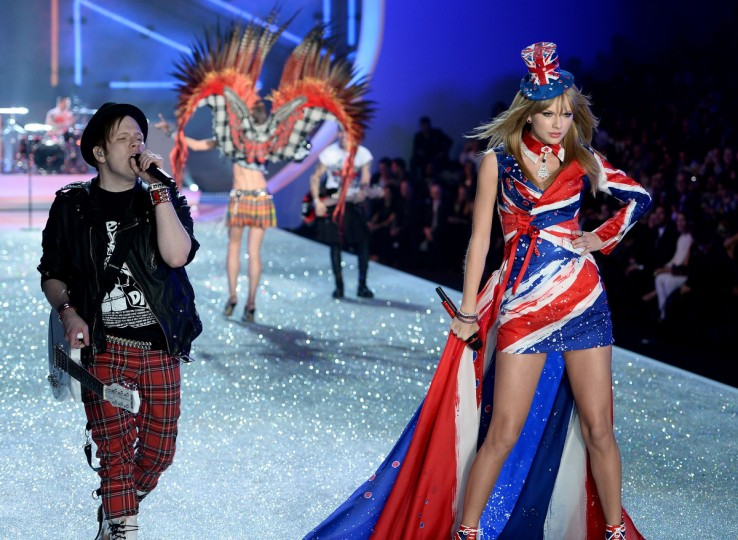 Singers Patrick Stump (L) of the band Fall Out Boy and Taylor Swift perform at the 2013 Victoria's Secret Fashion Show at Lexington Avenue Armory on November 13, 2013 in New York City. (Dimitrios Kambouris/Getty Images)