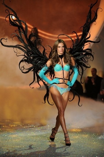 Model Alessandra Ambrosio walks the runway at the 2013 Victoria's Secret Fashion Show at Lexington Avenue Armory on November 13, 2013 in New York City. (Photo by Bryan Bedder/Getty Images for Swarovski)