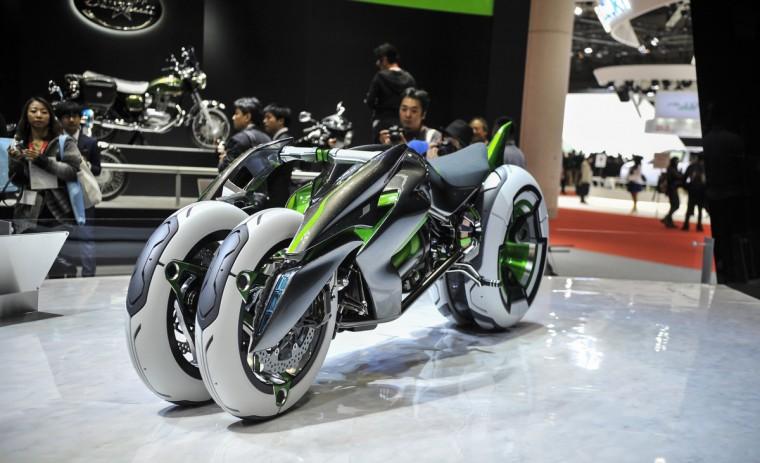 Kawasaki's J Three Wheeler EV Concept motorcycle is displayed during the 43rd Tokyo Motor Show 2013 at Tokyo Big Sight on November 20, 2013 in Tokyo, Japan. (Keith Tsuji/Getty Images)
