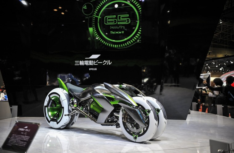 Kawasaki's J Three Wheeler EV Concept motorcycle is displayed during the 43rd Tokyo Motor Show 2013 at Tokyo Big Sight on November 20, 2013 in Tokyo, Japan. (Keith Tsuji/Getty Images)