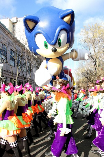 Atmosphere at the 87th Annual Macy's Thanksgiving Day Parade on November 28, 2013 in New York City. (Photo by Laura Cavanaugh/Getty Images)