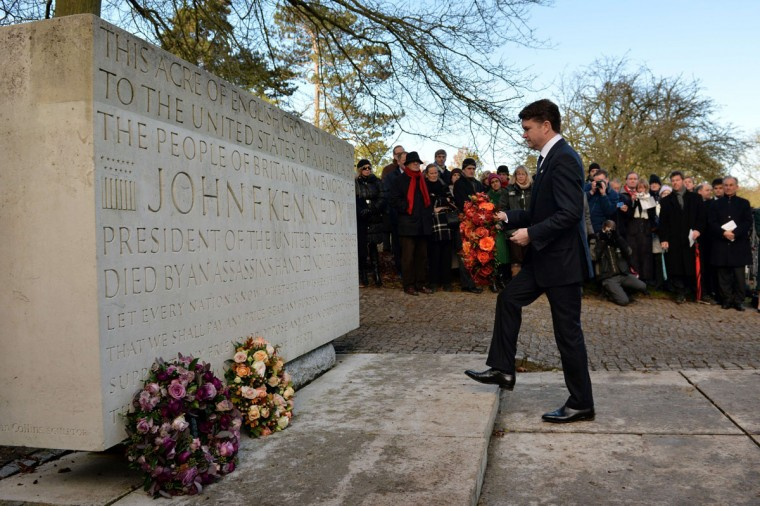 US ambassador Matthew Barzun lays a wreath during a memorial service for former US President John F Kennedy in Runnymede, Surrey on November 22, 2013, to mark the 50th anniversary of his assassination. (Ben Stansall/AFP/Getty Images)
