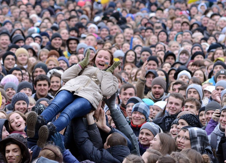 Students take part in a pro-European rally in the western Ukrainian city of Lviv on November 28, 2013. (YURIY DYACHYSHYN/AFP/Getty Images)